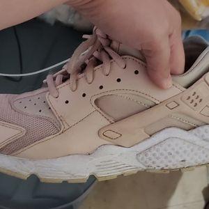 Nike Shoes - Womens Nike Huarache